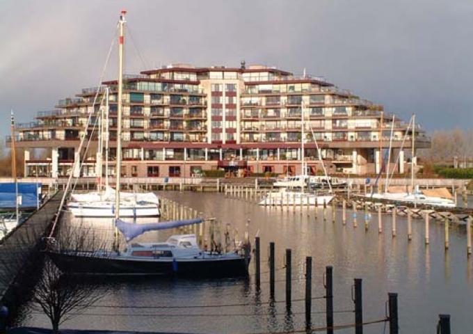Hampshire Newport Huizen : Hampshire hotel newport huizen noord holland marrea