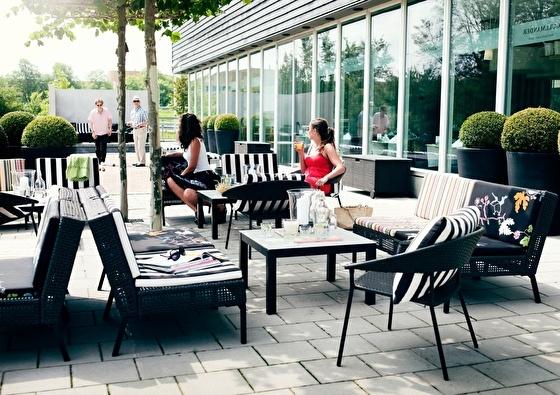 Hampshire Hotel - Delft Centre   Dwalen door Delft (2021)