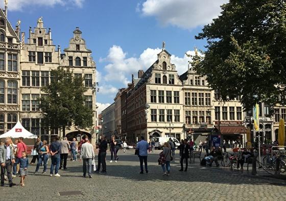 Lindner Hotel & City Lounge Antwerpen | Struinen door Antwerpen