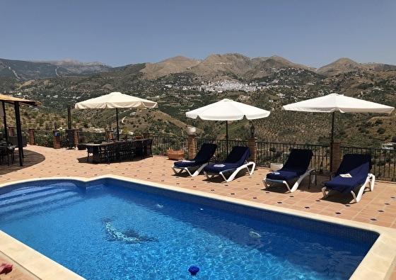 Villa Archez | Eenmalige uitspatting naar de Spaanse zon in Malaga 4-daags